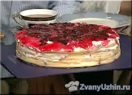 """Торт с ягодами """"Три хризантемы"""""""